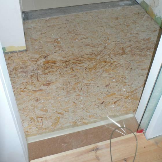 łazienka przed podłogą
