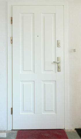 Drzwi wejściowe - widok od zewnątrz, z klatki